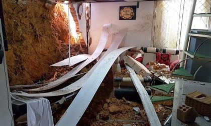 Nửa đêm sập nhà, 4 người trong gia đình may mắn thoát nạn