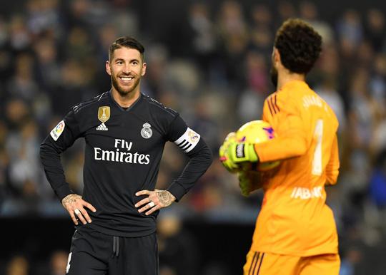 Messi trở lại, Barcelona thua tệ hại Real Betis ở Nou Camp - Ảnh 8.