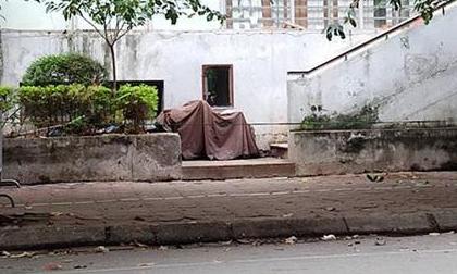 Hà Nội: Hốt hoảng phát hiện bé gái rơi từ tầng 7 chung cư xuống đất