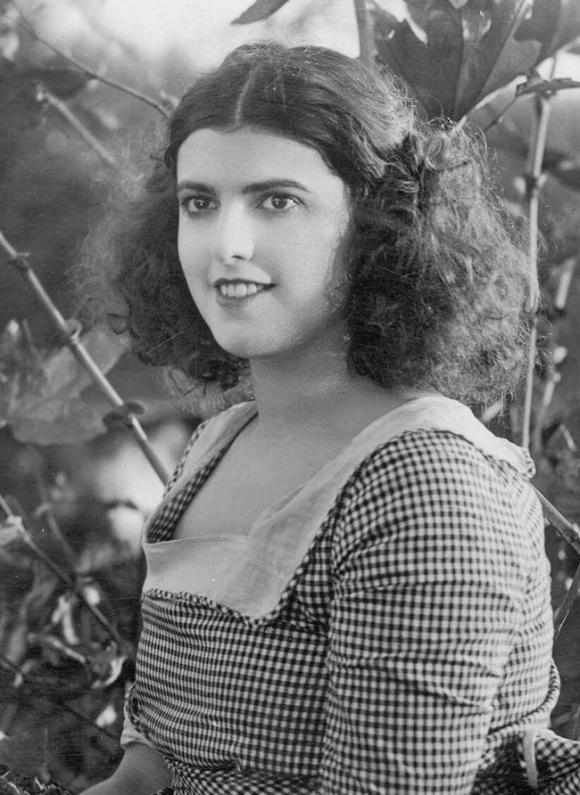 Cái chết bí ẩn của nữ diễn viên xinh đẹp khiến danh hài nổi tiếng điêu đứng, hé lộ bí mật đen tối ở Hollywood - Ảnh 5.