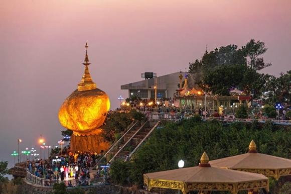 Hòn đá thiêng bằng vàng ở Myanmar và bí mật ẩn chứa bên trong - 8
