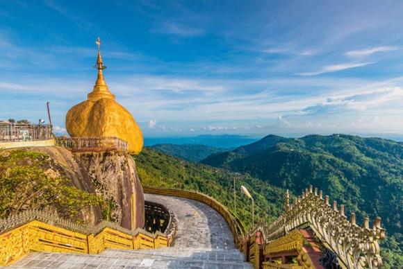 Hòn đá thiêng bằng vàng ở Myanmar và bí mật ẩn chứa bên trong - 13