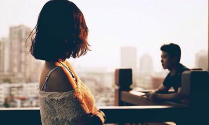 Tôi đã sốc càng sốc hơn khi biết lý do sau buổi họp lớp, chồng bỗng dưng chiều vợ thương con