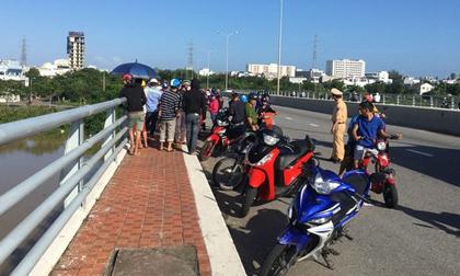 Người phụ nữ bỏ lại xe máy trên cầu, gieo mình xuống sông Hàn tự tử