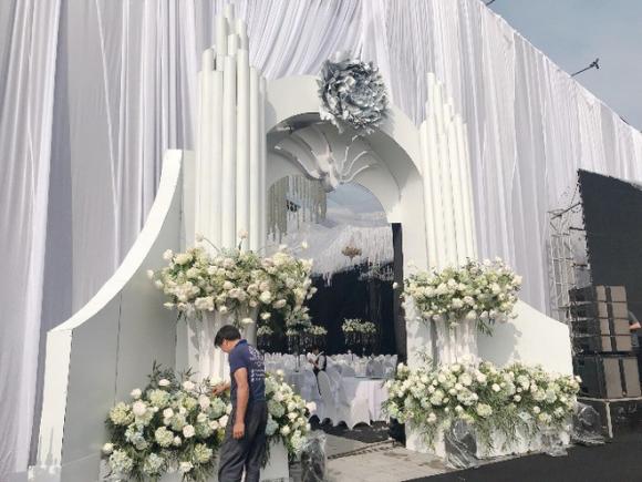 Siêu đám cưới trang trí hết 4 tỷ đồng ở Thái Nguyên: 13 năm bên nhau và niềm hạnh phúc sau bao sóng gió của cô dâu