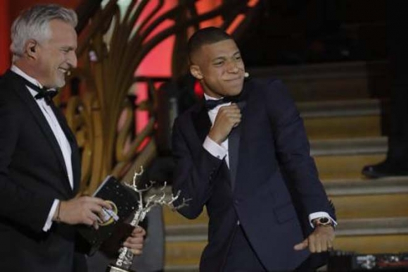 Trao giải Quả bóng Vàng: Modric và Mbappe được vinh danh - 1