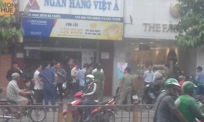 Nhân chứng tiết lộ về hành động của nghi phạm cướp ngân hàng tại quận Bình Thạnh