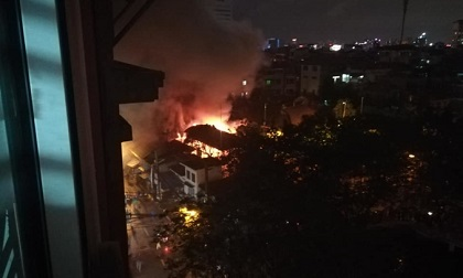 Hà Nội: Cháy lớn tại di tích lịch sử văn hóa trong đêm