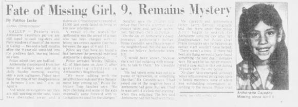 Vụ mất tích kỳ lạ nhất thế giới: Bé gái 9 tuổi biến mất sau cánh cửa, manh mối duy nhất là mẹ đẻ cũng đột ngột chết bí ẩn - Ảnh 3.