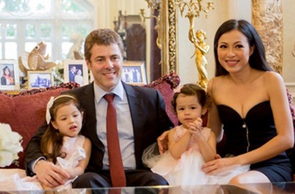 Danh tính chồng ngoại quốc của hoa hậu gợi cảm, giàu nhất Việt Nam - Ảnh 3.