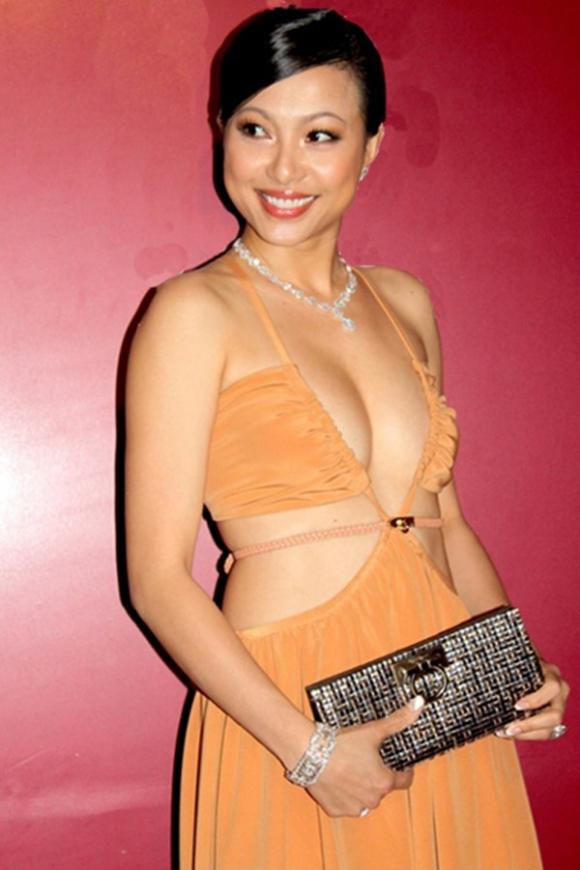 Danh tính chồng ngoại quốc của hoa hậu gợi cảm, giàu nhất Việt Nam - Ảnh 1.