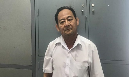 """Khách Hàn Quốc bị tài xế taxi ở Sài Gòn """"hóa phép"""" lấy trộm tiền ngay trên tay"""
