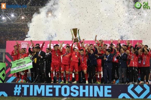 Việt Nam vô địch AFF Cup, thầy Park lập tức đi gặp bầu Đức - 1