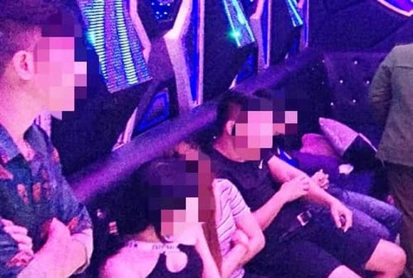Tin mới vụ đột kích quán karaoke, phát hiện nhiều dân chơi phê ma túy - 1
