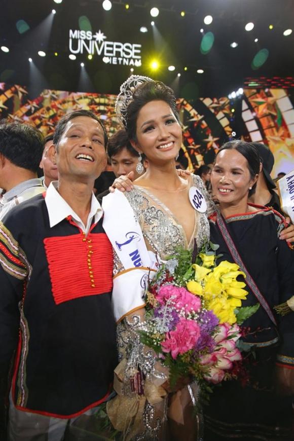 Cận cảnh chân dung người đàn ông khiến HHen Niê tự hào khi có mặt tại Hoa hậu hoàn vũ thế giới 2018-6