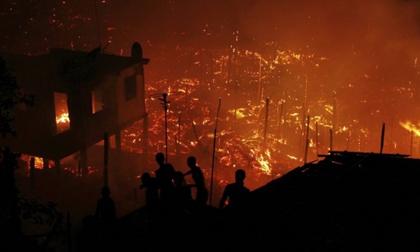 Bà hỏa ghé thăm trước thềm năm mới, 600 căn nhà xóm nghèo bị thiêu rụi