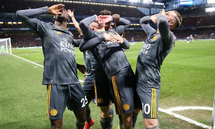 Chelsea bất ngờ 'ngã ngựa' trước Leicester