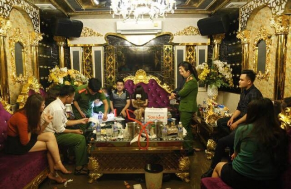 'sep' ngan hang thac loan ma tuy tap the: loi khai that la... hinh anh 2
