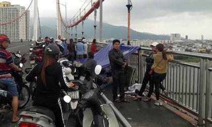 Thông báo trước cho mẹ ruột, người đàn ông đã có vợ và 3 con nhỏ nhảy cầu Thuận Phước tự tử