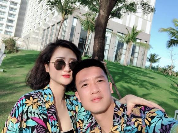 Tiền vệ Huy Hùng - cầu thủ chăm khoe ảnh bạn gái nhất tuyển Việt Nam - 2