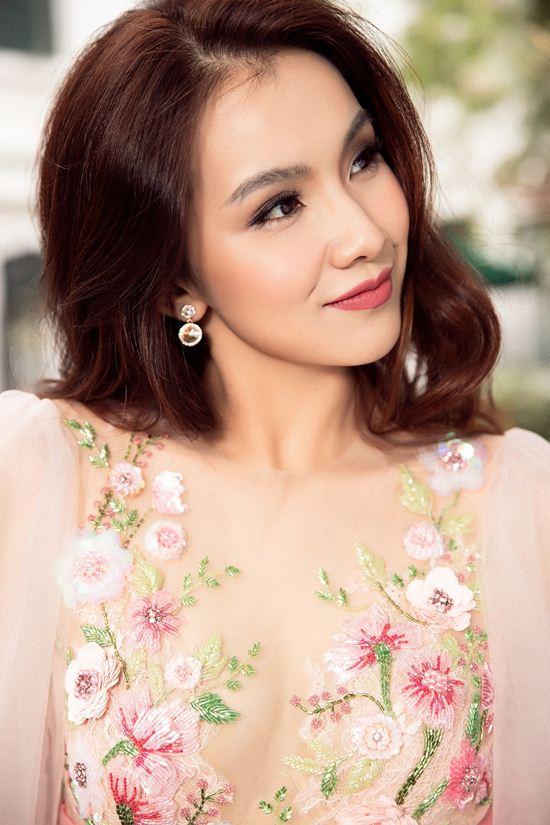 Nhan sắc đẹp không tuổi của hoa hậu Thùy Lâm - 5