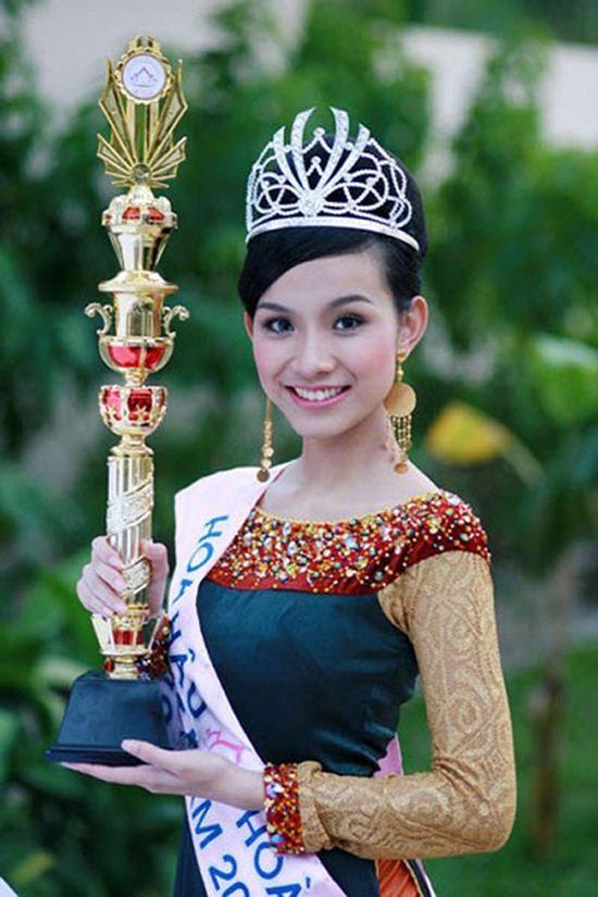 Nhan sắc đẹp không tuổi của hoa hậu Thùy Lâm - 1