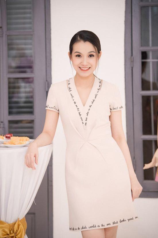 Nhan sắc đẹp không tuổi của hoa hậu Thùy Lâm - 6