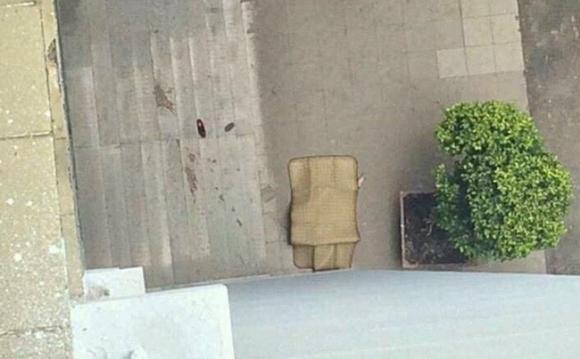 Trích xuất camera phát hiện biểu hiện lạ của cô gái trước khi nhảy lầu ở trường ĐH tại TP.HCM - Ảnh 1.