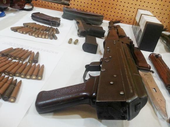 """Đại ca giang hồ Long """"ma"""": Nửa đêm vác súng AK đi đòi... xin lỗi - 1"""