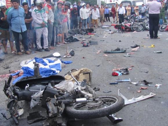 Vụ tai nạn kinh hoàng ở tỉnh Long An: Tài xế không nhận sử dụng ma tuý - Ảnh 2.
