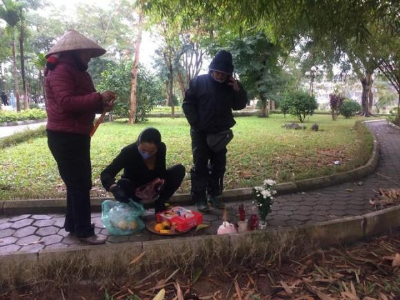 Gia cảnh đáng thương của người phụ nữ tử vong trong vườn hoa Hà Đông - Ảnh 2.