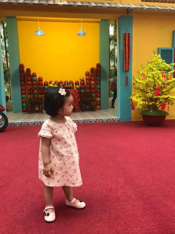 Cơ trưởng Huỳnh Lý Đông Phương khoe con gái cưng mong Tết sớm, không ngờ cô bé đã lớn đến nhường này - Ảnh 1.