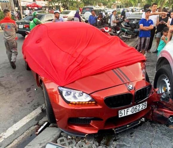 BMW M6 gây tai nạn kinh hoàng ở Sài Gòn: Lái xe khai gì? - 1
