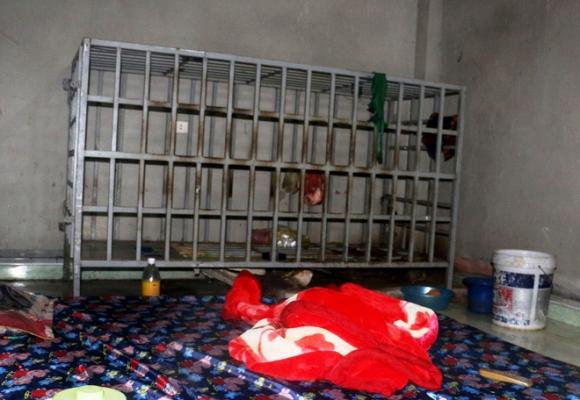 Cận cảnh chiếc chuồng cọp được bà vợ ở Thanh Hóa dùng để nhốt chồng suốt 3 năm