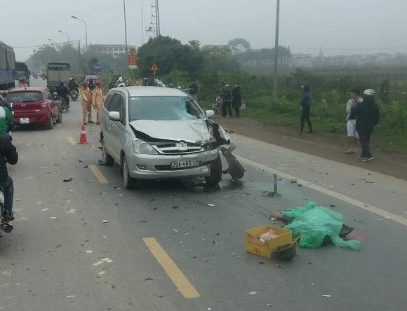 """""""Xế hộp"""" va chạm kinh hoàng xe máy trên quốc lộ, 2 người tử vong - 1"""