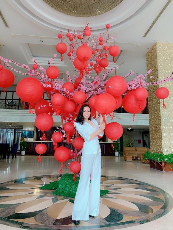 tran-huyen-nhung-121-2-xahoi.com.vn-w580-h773