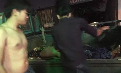 TPHCM: Nhóm giang hồ truy sát, 4 thanh niên nguy kịch tại phòng trọ