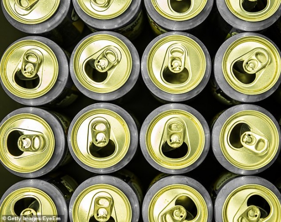 Vụ truyền 15 lon bia cứu người ngộ độc rượu ở Việt Nam lên báo nước ngoài - 2