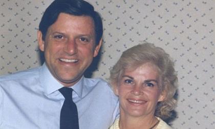 Ngôi biệt thự đẫm máu của cặp vợ chồng tỷ phú: Cái chết kinh hoàng
