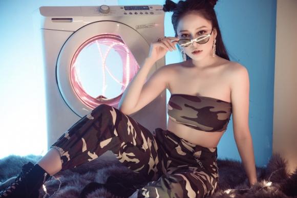 Nhan sắc nóng bỏng của hai hot girl tham gia Táo quân 2019