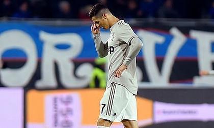 Ronaldo mờ nhạt, Juventus bị 'đá bay' khỏi Coppa Italia