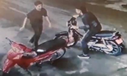 Nhận dạng nghi phạm sát hại tài xế taxi ở Mỹ Đình: Khá trẻ, người gầy, nói giọng miền Trung