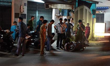 Người phụ nữ bị 4 thanh niên dùng dao kề vào cổ rồi cướp vàng táo tợn ở Sài Gòn