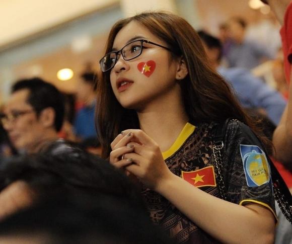 Nhật Lê lần đầu trải lòng về tình yêu với Quang Hải - 1