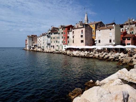 Nắng chói chang thế này, vi vu ngay những thành phố biển đẹp nhất thôi - 8