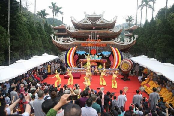 """Lễ hội chùa Hương năm 2019 có chủ đề 'Lễ hội kỷ cương - văn minh du lịch"""""""