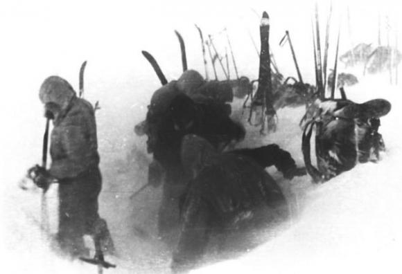 Thảm kịch kinh hoàng về 9 nhà leo núi và bí ẩn được coi là lớn nhất thế giới hơn 60 năm qua - Ảnh 3.