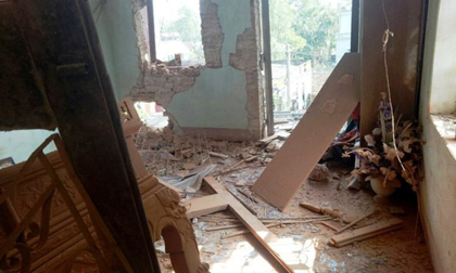 """Vụ đặt 10 thỏi mìn nổ tung nhà anh ruột: Khởi tố thêm tội """"Giết người"""""""