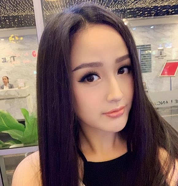 Mai Phương Thúy tuổi 31: Xinh đẹp, giàu có, không màng chồng con