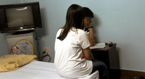 Bộ GD-ĐT vào cuộc vụ cô giáo chung phòng khách sạn với nam sinh lớp 10 - 1